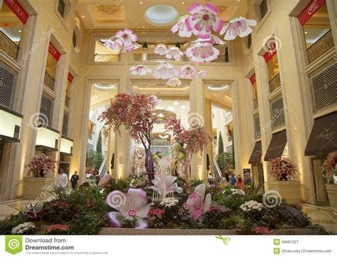 spring decorations   atrium   palazzo resort