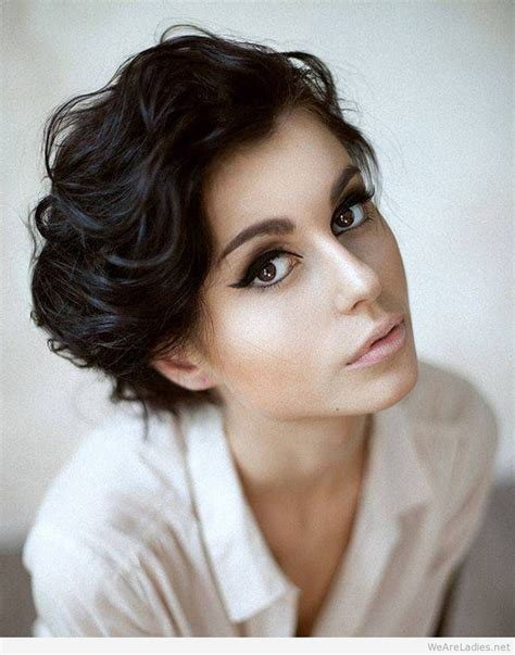 short hair oval face uphairstyle