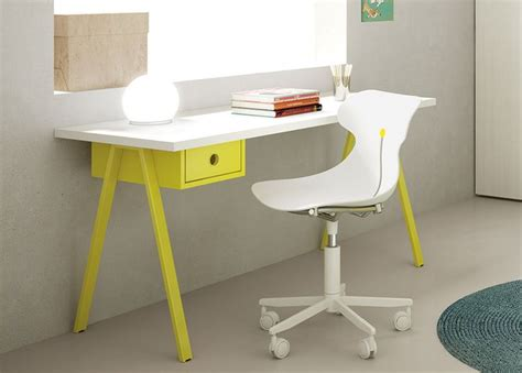 Tips For Buying A Childrens Desk  Goodworksfurniture. Us General 5 Drawer Tool Cart. Lifetime Tables Walmart. Hooker End Tables. Gold Table Linens. Art Master Activity Desk. Small Storage Cabinet With Drawers. Sharp Drawer Microwave 30 Inch. Chest Of Drawers
