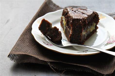 rich chocolate cake  orange curd  chocolate