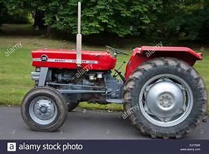 1960er Jahren rot grau Massey Ferguson 135 Serie Traktor ...