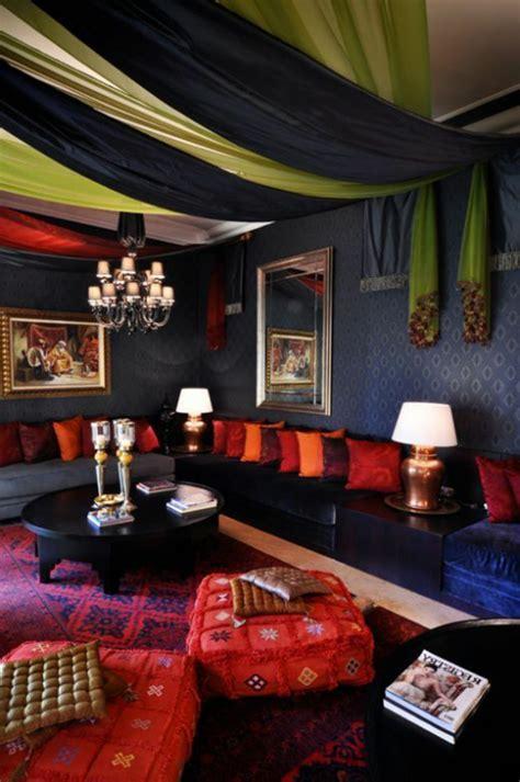 chambre style marocain le canapé marocain qui va bien avec votre salon
