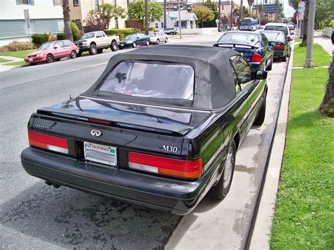 The m276 engine is related to the chrysler pentastar except for the 60 degree angle, as it was developed while chrysler was still owned by daimler ag. 1991 Infiniti M30 Convertible Specifications, Pictures, Prices