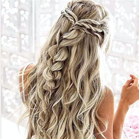 Bridesmaid Hairstyles For Hair by 50 Delicate Bridesmaid Hairstyles For A Beautiful