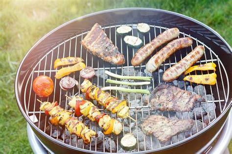 cuisiner au barbecue 10 conseils pour cuisiner au barbecue quand on a pas fait les scouts 9 photos