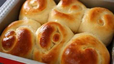 Bread Rolls Or Dinner Rolls (roll-ppang