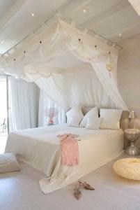 Bett An Der Decke : 33 himmelbetten und baldachin ideen f r ihr schlafzimmer beste inspiration ~ Frokenaadalensverden.com Haus und Dekorationen
