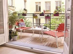 Salon Pour Balcon : un balcon en longueur comme le prolongement naturel du salon maisonapart ~ Teatrodelosmanantiales.com Idées de Décoration