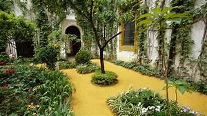 Beautiful Home Garden Wallpaper