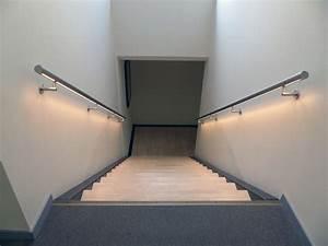 Rambarde d'escalier murale à LED Divinox