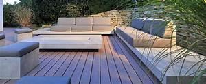 Loungemöbel Holz Outdoor : terrasse und garten im einklang mit architektur ~ Michelbontemps.com Haus und Dekorationen