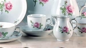 Geschirr Mit Blumen : alt f rstenberg rose rokokoform jetzt shoppen f rstenberg porzellan ~ Frokenaadalensverden.com Haus und Dekorationen
