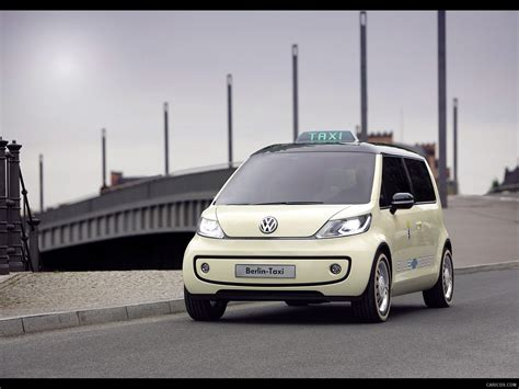 Volkswagen Berlin Taxi Concept Front Angle Wallpaper 2