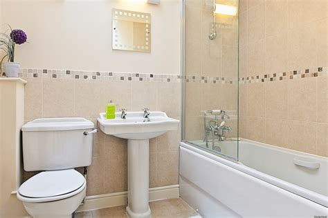 cleaning checklist for getting your bathroom bright