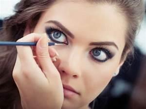Apprendre A Se Maquiller Les Yeux : maquillage tuto maquillage yeux bleus apprendre a se maquiller des yeux bleus fard a paupiere ~ Nature-et-papiers.com Idées de Décoration