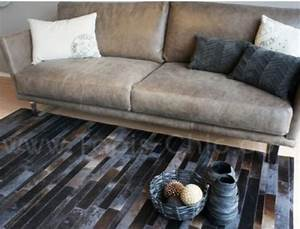 le tapis en cuir design jacob par dhf tapis chic le blog With tapis peau de vache avec taille canapé 2 places
