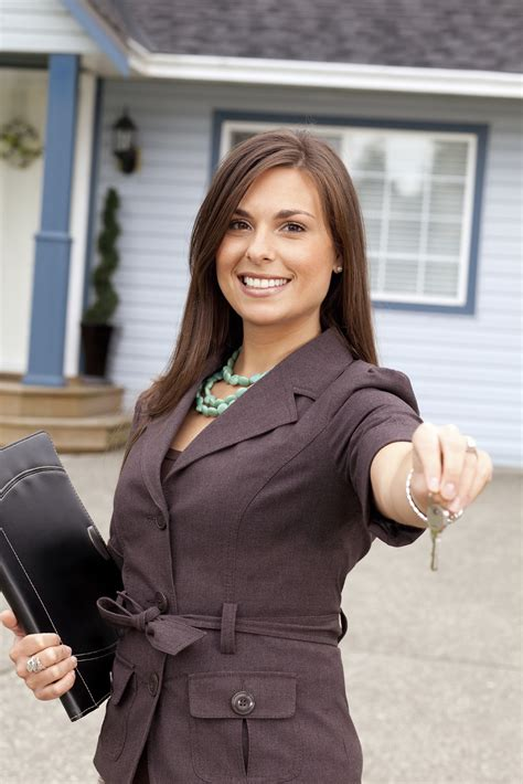 To Become A Real Estate Agent How To Become A Real Estate Agent 360training Blog