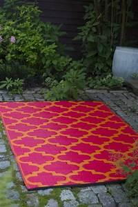 Garten im quadrat outdoor teppich tangier rot orange for Balkon teppich mit tapete rot gold ornament