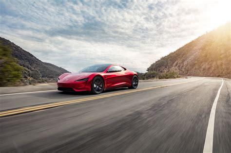 Tesla Roadster Delights Us In New Images
