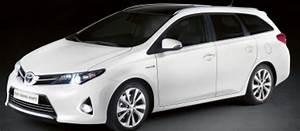 Toyota Auris Break Hybride : toyota lance l 39 auris touring sports le premier break compact hybride challenges ~ Medecine-chirurgie-esthetiques.com Avis de Voitures