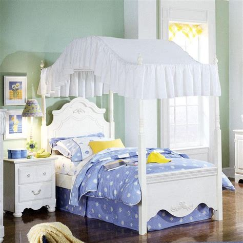 beautiful arched canopy    girls room twin