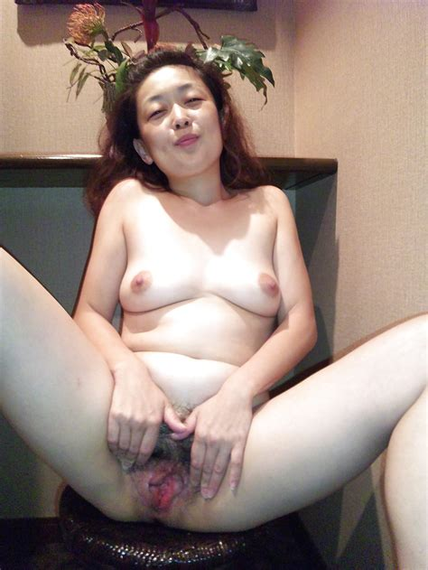 japanese exhibitionist and flasher ladies 9 29 pics