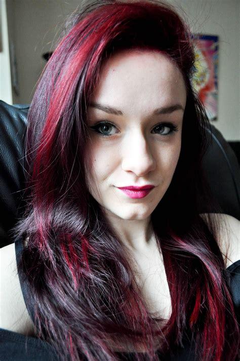 Red Streaks In Burgundy Hair Beauty Pinterest Red