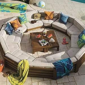 Salon Exterieur Design : meubles de jardin design qui donnent envie de rester dehors ~ Teatrodelosmanantiales.com Idées de Décoration