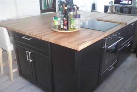 plan de travail cuisine hetre rénovation de cuisine sur mesure avec ilôt central en bois