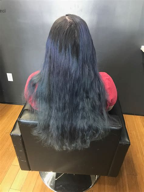 This Woman Went From Dark Blue Hair To Blonde — Heres How