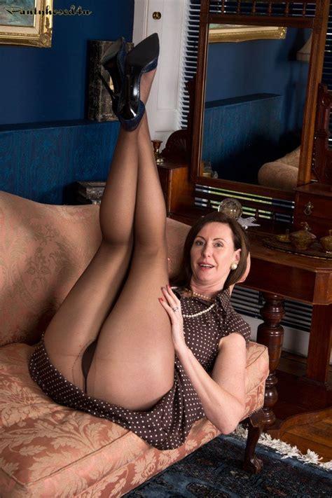 lara latex touching her pussy wearing pantyhose 1 of 1