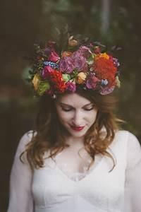 Couronne De Fleurs Mariée : lovely pics couronne de fleurs par la mari e aux pieds nus modele amelie queen for a day ~ Farleysfitness.com Idées de Décoration