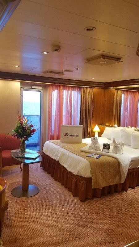 suite   carnival conquest category