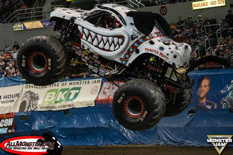 monster truck jam monster jam photos peoria illinois april 16 2016