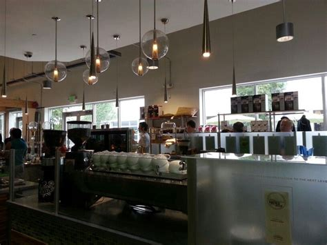We all travel and eat, this vlog we did a little of both. Portola Coffee Lab ...smells awesome | Projets à essayer