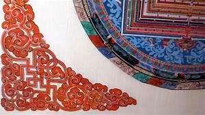 D Sign Möbel : m bel mit buddhistischen motiven dekoriert n d youtube ~ Bigdaddyawards.com Haus und Dekorationen