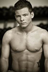 IF THE CHILD ACTOR Jonathan Lipnicki CAN GROW UP TO LOOK ...