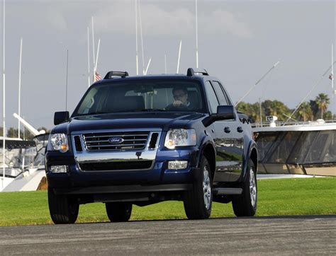 ford explorer sport trac review top speed