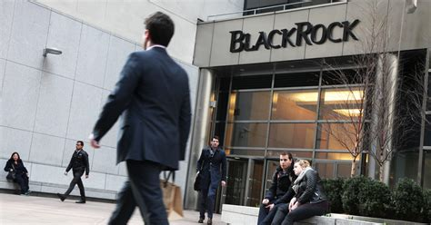blackrocks  based active funds post record