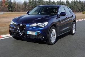 Alfa Romeo Q4 : 2018 alfa romeo stelvio 2 0 awd first drive getting the basics right motor trend ~ Gottalentnigeria.com Avis de Voitures