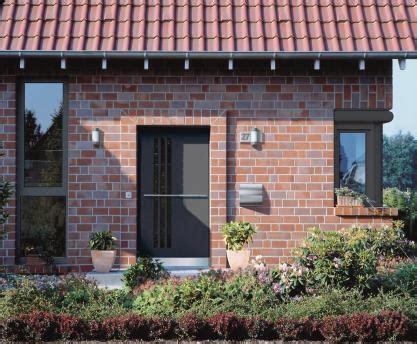 Rote Dachziegel Graue Fenster by Fassadenanalyse Und Wirkungen Farbe Als