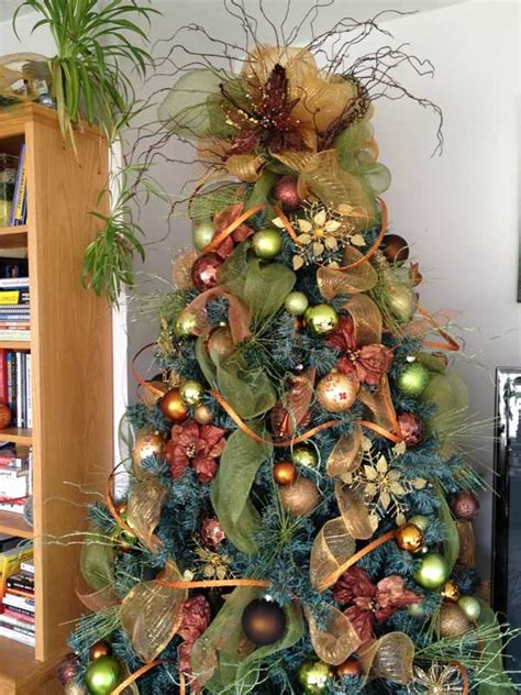 how to decorate a tree with mesh ribbon just a few of the lovliest trees imaginable mstmha