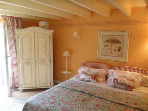 chambre provencale la chambre provençale photo de logis du grand moulin