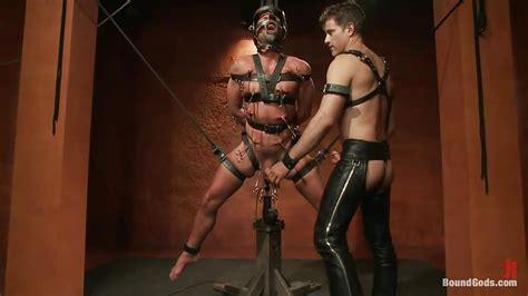 Master Avery Dominic Pacifico In Hardcore Gay Bdsm With
