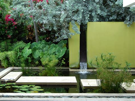 Moderner Garten Mit Wasser by 49 Amazing Outdoor Water Walls For Your Backyard Digsdigs