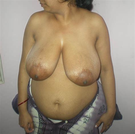 Desi Aunty Hd Images Indian Aunty Removing Saree Bra Blouse Nude