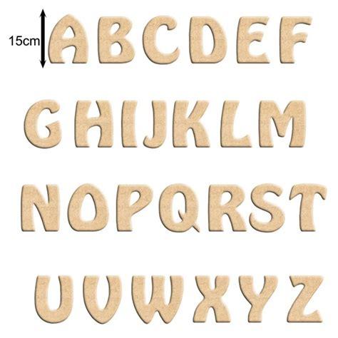 lettre cuisine en bois lettre en bois à peindre 15 cm billes de clowns