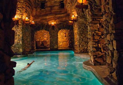 coolest hotel pools    grove park inn