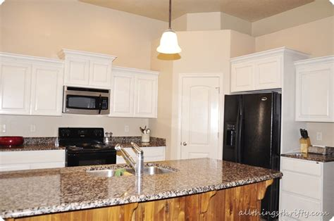 how to paint oak kitchen cabinets white white kitchen cabinets with wall paints the house 9514