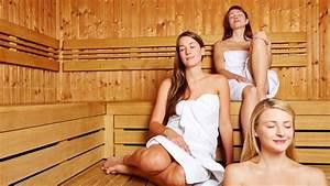 Frauen In Sauna : gefahr in der sauna was man zur sicherheit beachten ~ Whattoseeinmadrid.com Haus und Dekorationen